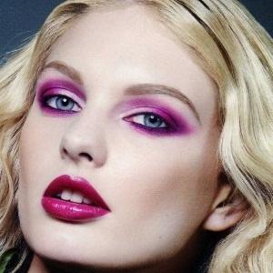 fuschia valentines day makeup