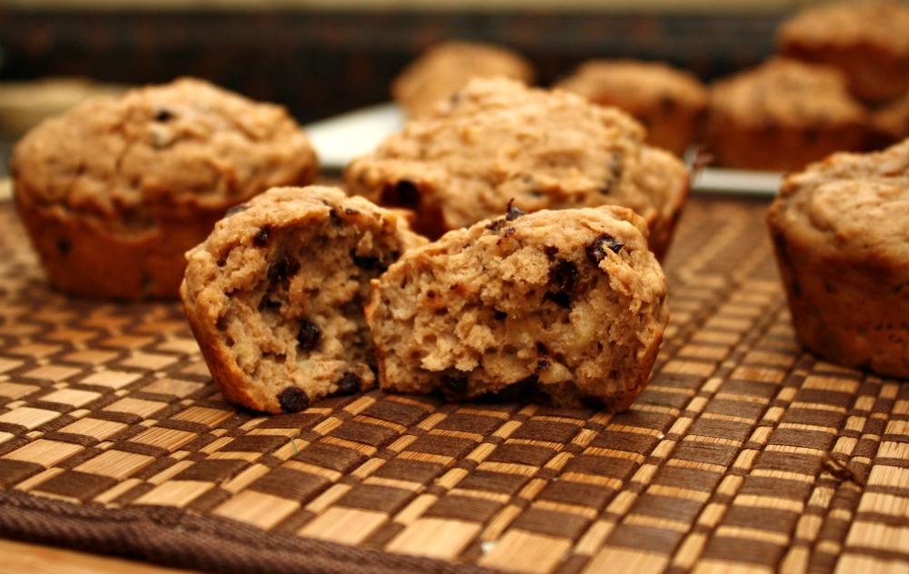 Oatmeal Peanut Butter Chocolate Chip Muffins – 4 Weight Watchers ...