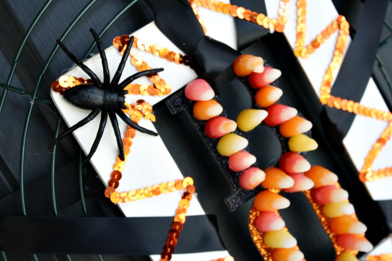 BOO Door Hanger DIY Project #StarburstCandyCorn