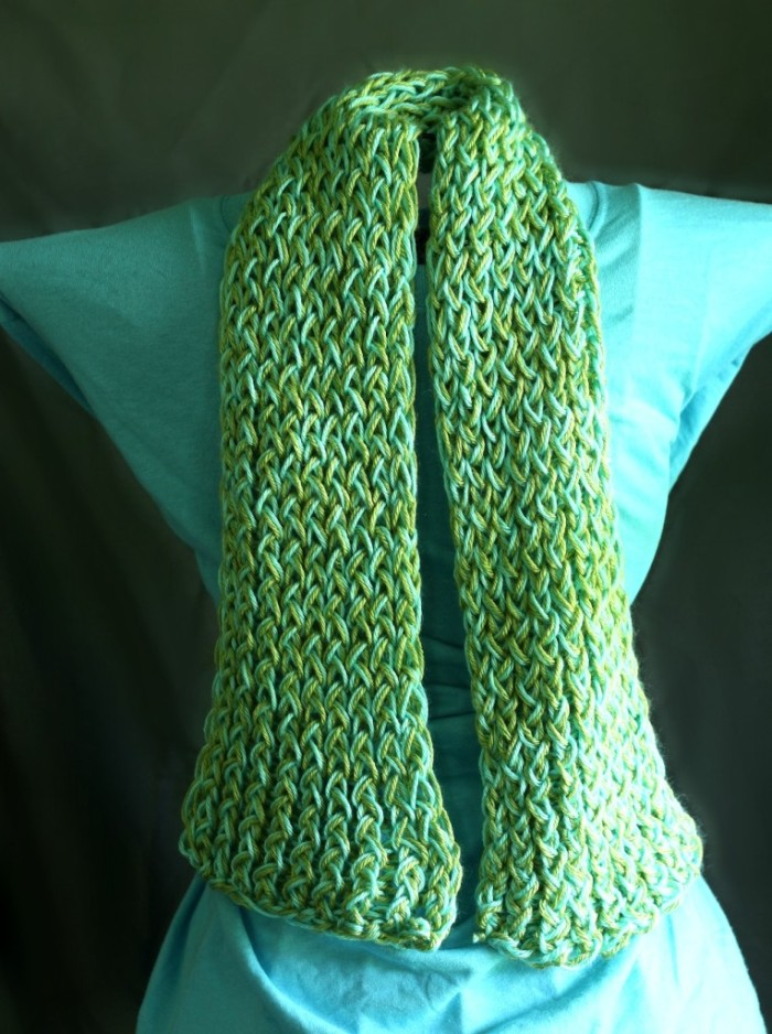 Crocheting Videos Slipknot : Easy Loom Scarf DIY