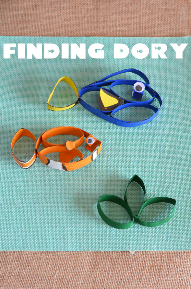 This Finding Dory toilet paper roll craft is perfect for preschoolers!