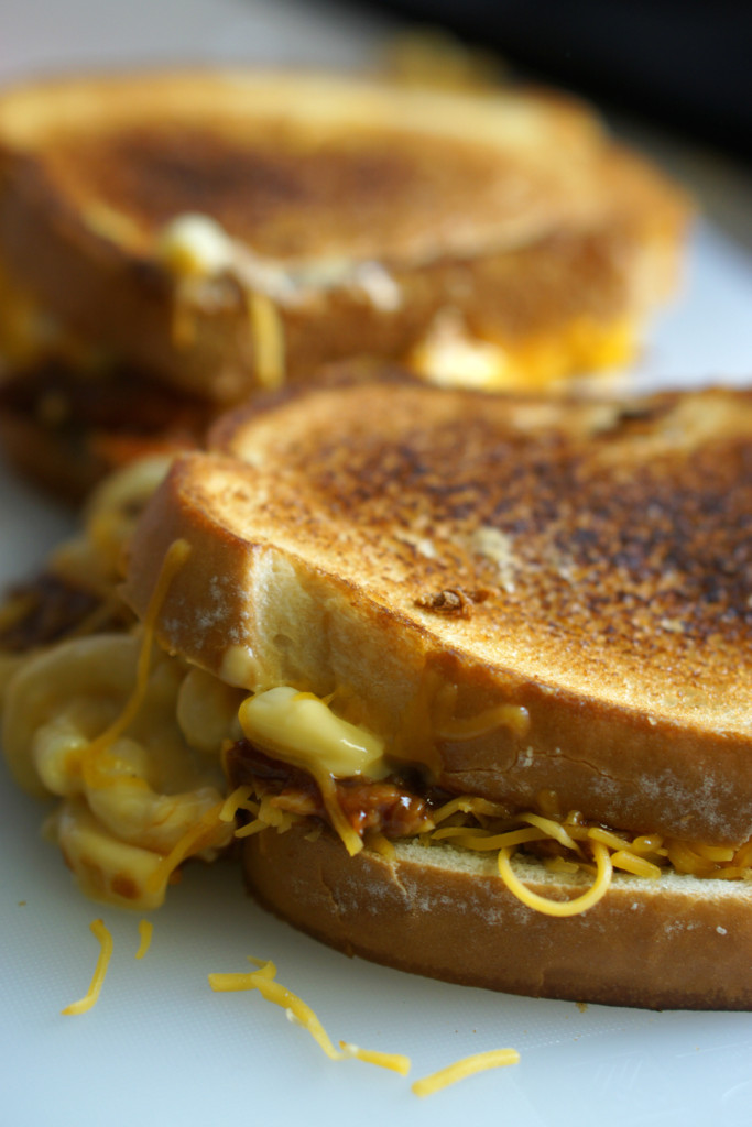 BBQ Chicken Mac & Cheese Grilled Cheese