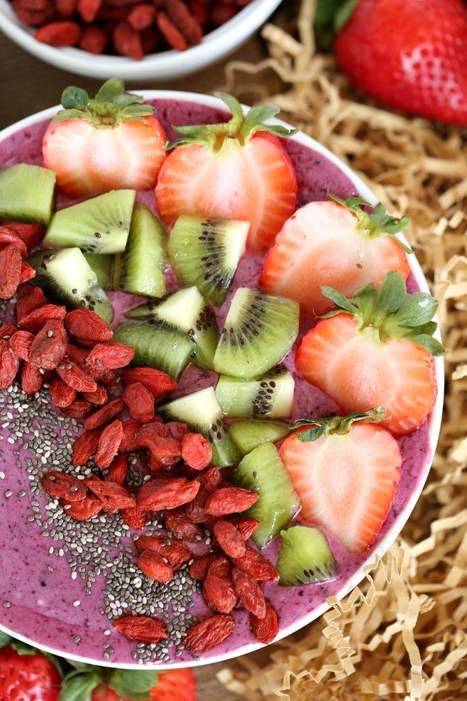 Goji Berry Smoothie Bowl Recipe