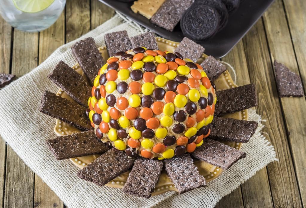 Best Reese's Peanut Butter Cheese Ball