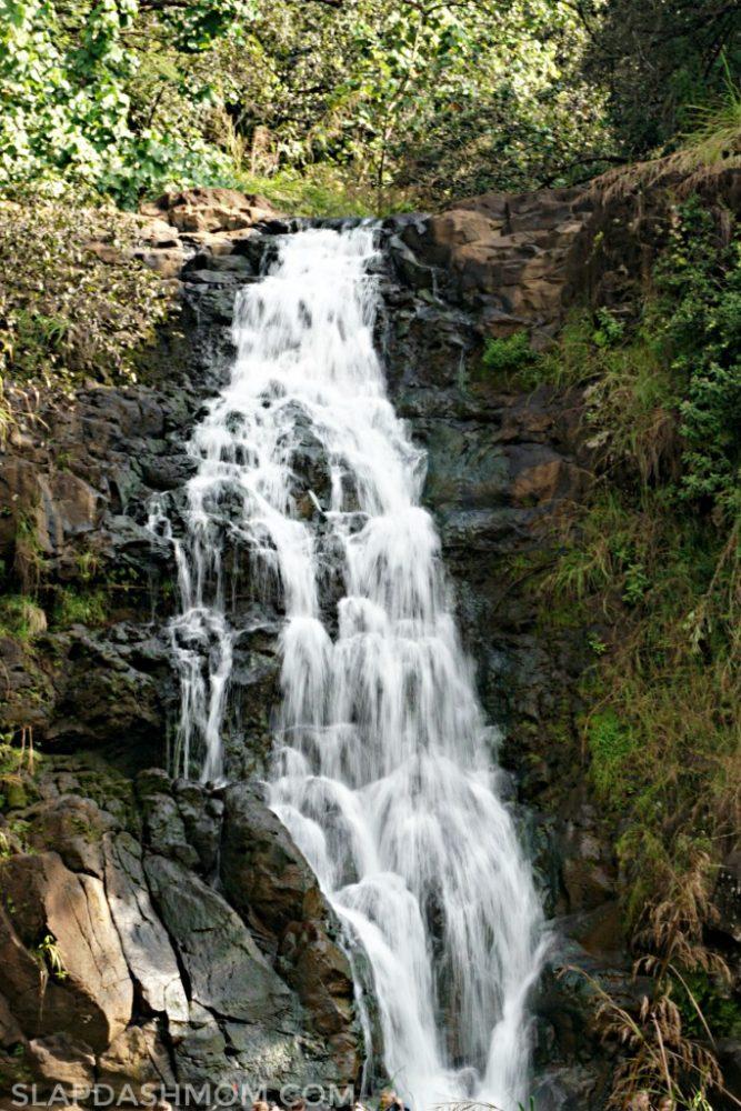 waterfalls on oahu
