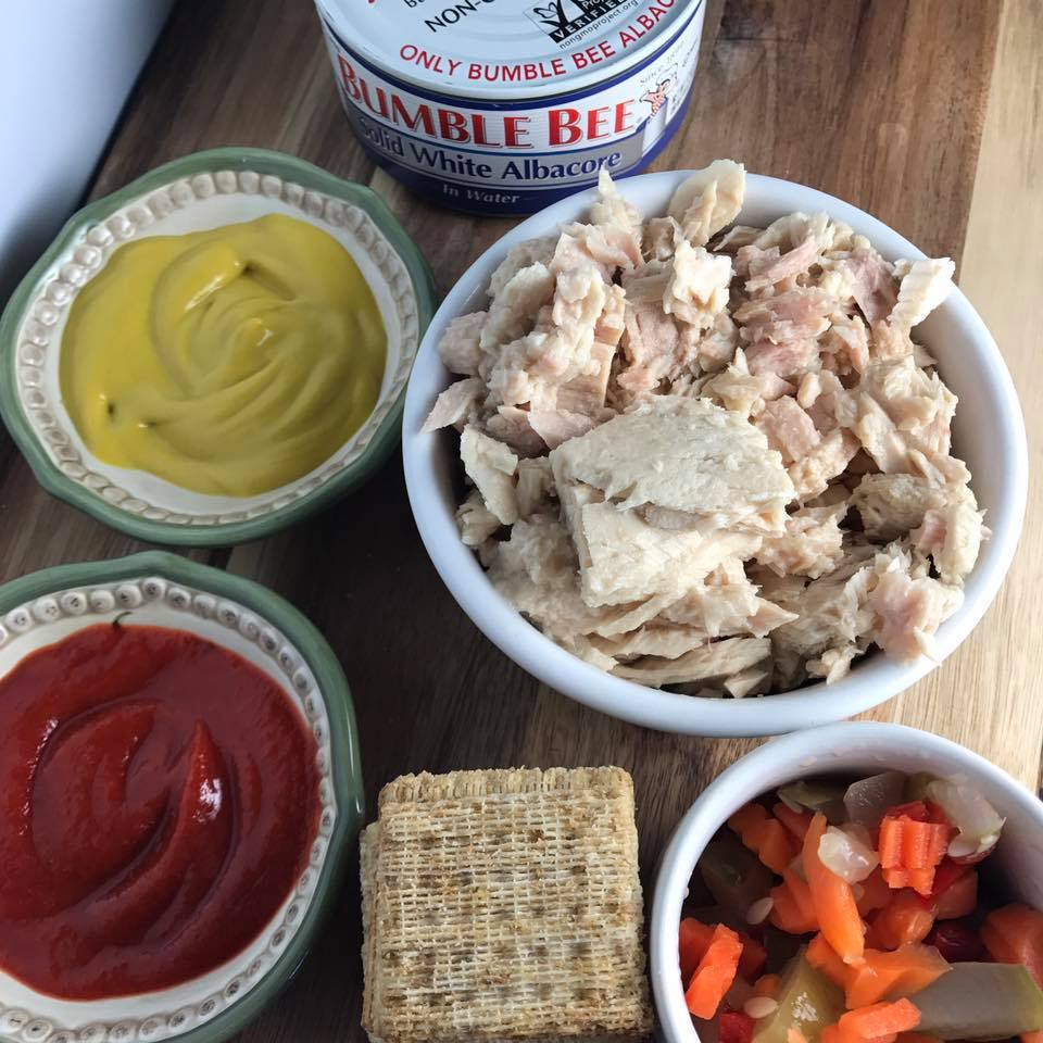 Spicy Veggie Tuna Salad + Protein Packed Lunch Ideas