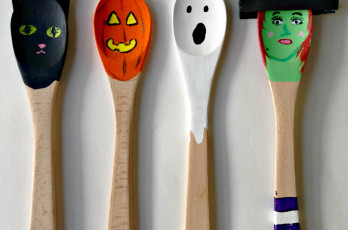 Halloween Craft | Decorated Wooden Spoons