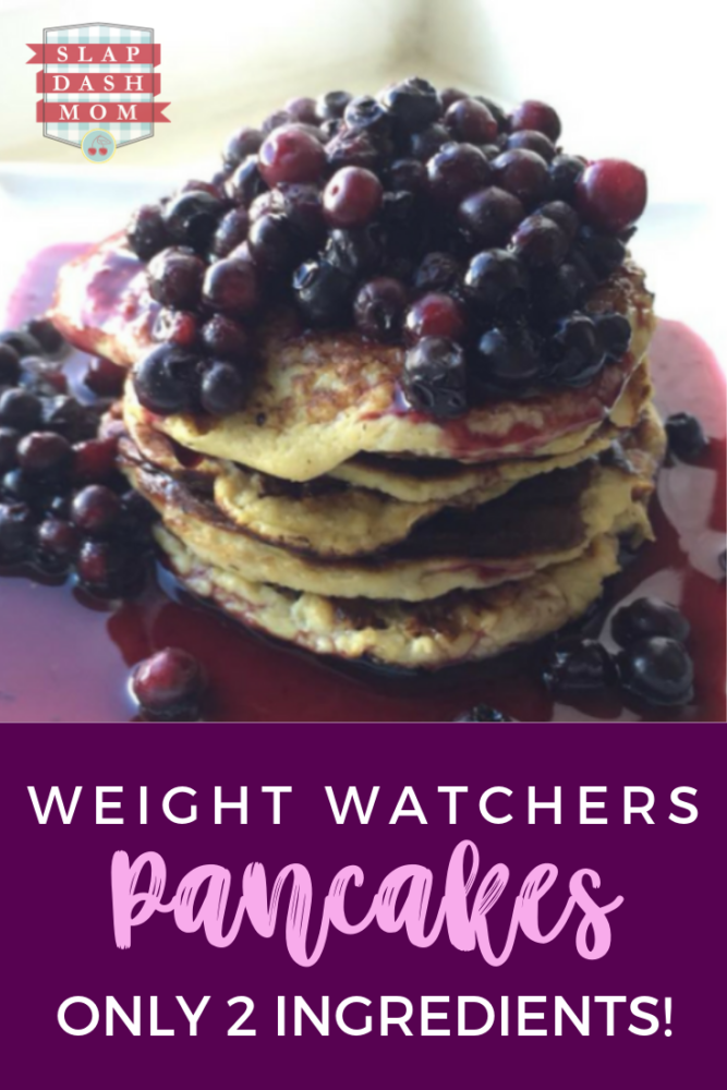 Did you know that if you are on Weight Watchers, you can still have pancakes? NO POINTS!! Only 2 ingredients! Simple, delicious breakfast! Top with your choice of fruit! #breakfast #pancakes #weightwatchers #2ingredientpancakes #blueberrypancakes