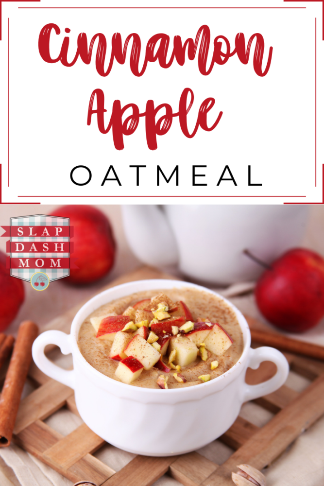 What a perfect, Weight Watcher friendly breakfast option! Cinnamon Apple Oatmeal with Caramel is only 4 Smartpoints! Cinnamon Apple Oatmeal is also great for a fall breakfast recipe! #ww #weightwatchers #oatmeal #applecinnamon #fallbreakfast