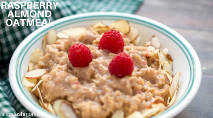 RASPBERRY ALMOND OATMEAL