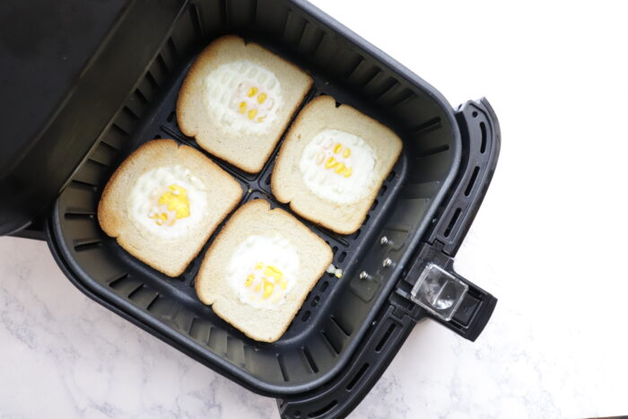 Weight watchers eggs in a basket
